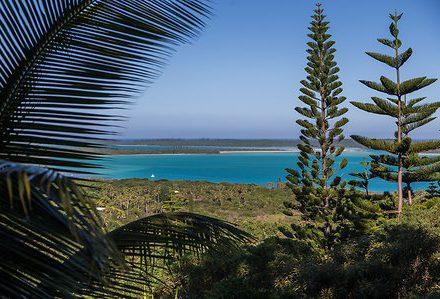 Séjour en Nouvelle Calédonie vue de île des Pins des vacances routedelacaledonie.com