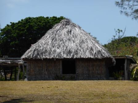 vacances sejour voyage caledonie case melanesienne
